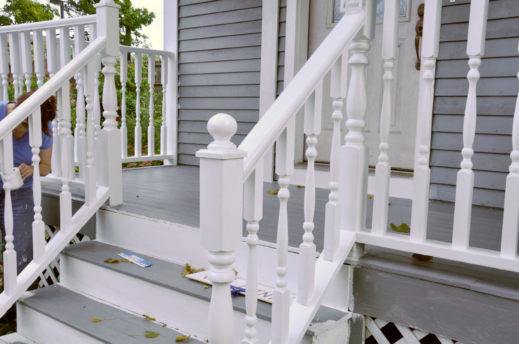 Porch railing tips home projects repairs pinterest for Front balcony railing
