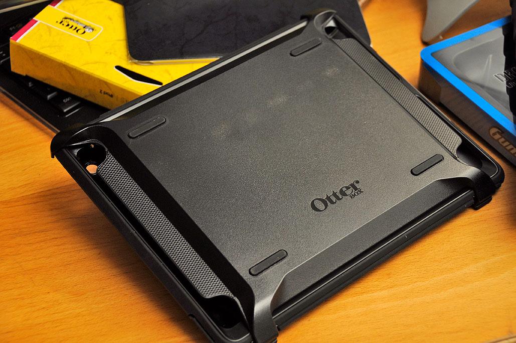 size 40 05e13 02a5a iPad2: Heavy Duty Protection | RainyDayMagazine